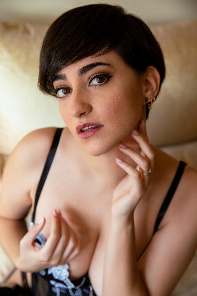 Esther_Olive_Erotic_Model_SOBREMI1