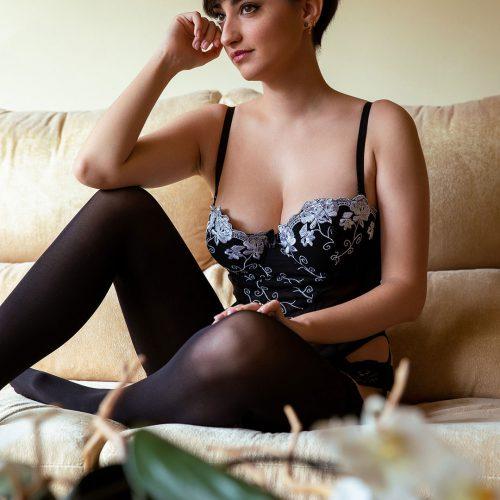 Esther_Olive_Erotic_Model__0032