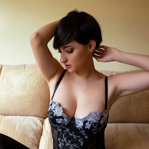 Esther_Olive_Erotic_Model__0041